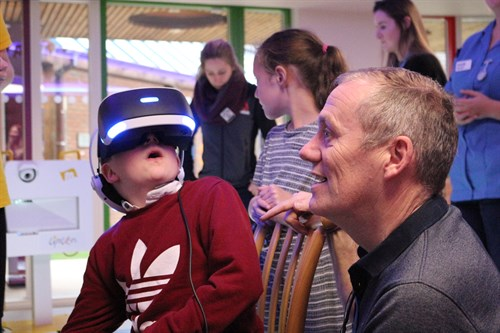 Shay On The Virtual Reality With His Dad (2)